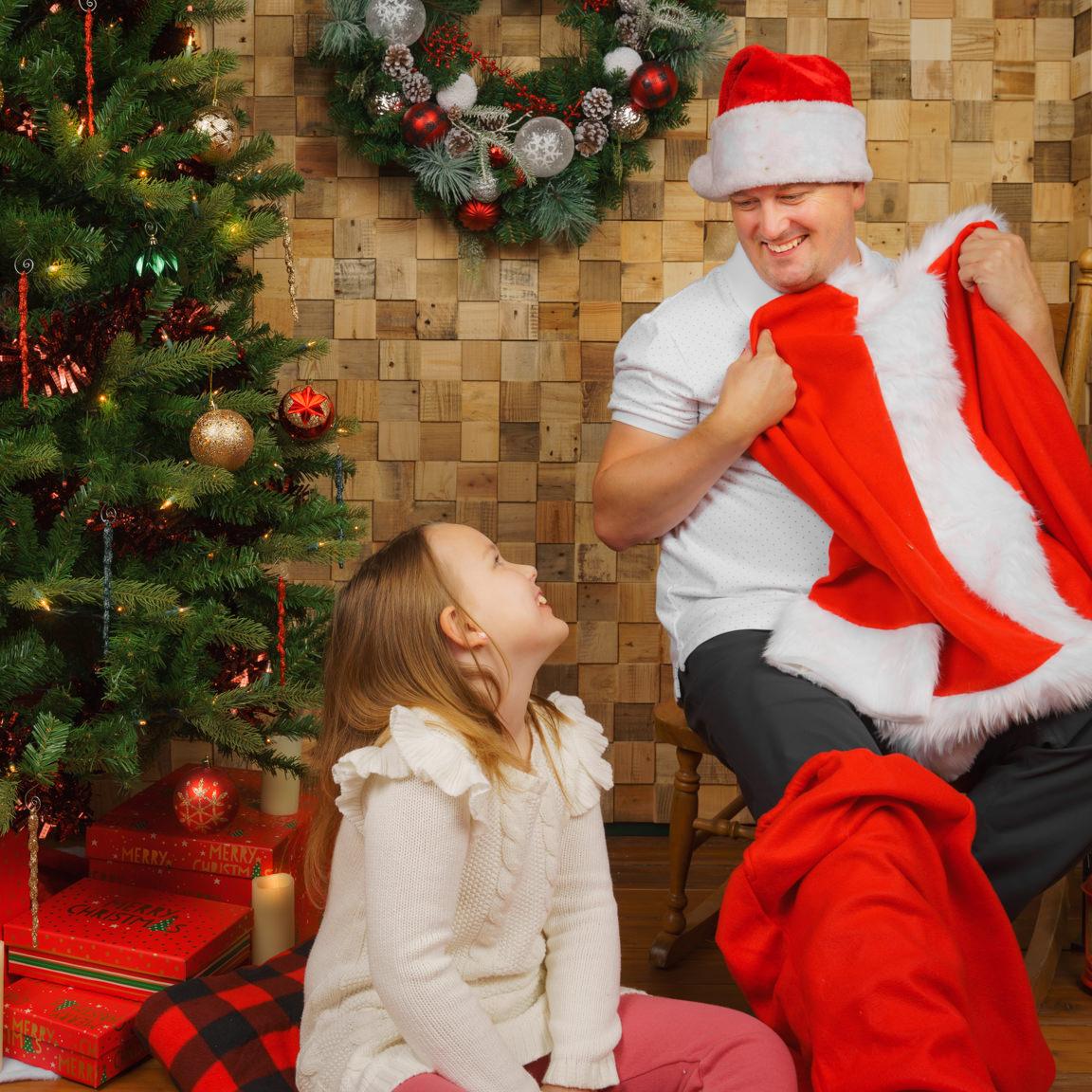 santa and kids at SNAP Foto Club