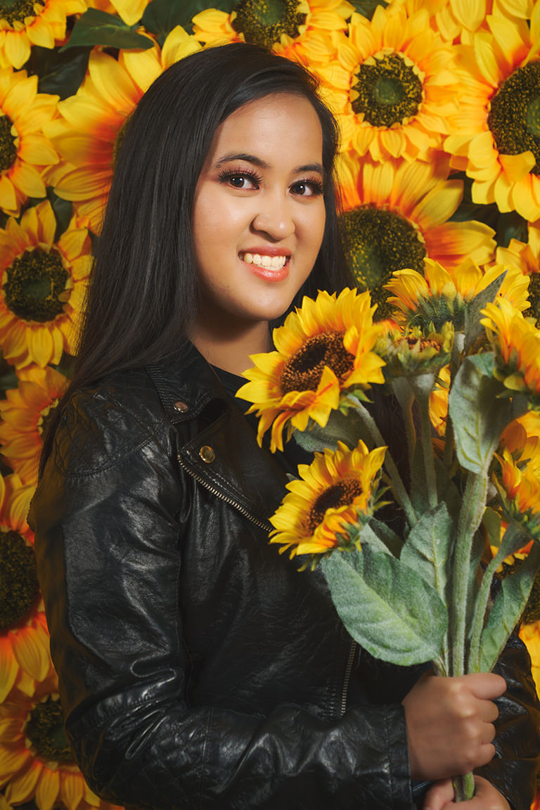 graduation photo with sunflowers at snap foto club